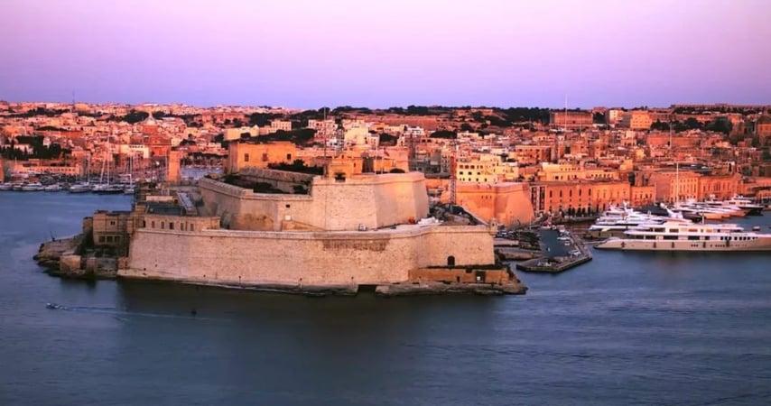 Nhập Quốc tịch Malta cho các Dịch vụ Đặc biệt bằng Đầu tư Trực tiếp mới (2021)